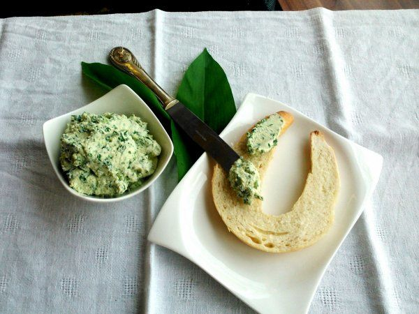 medvehagymas sajtkrem recept