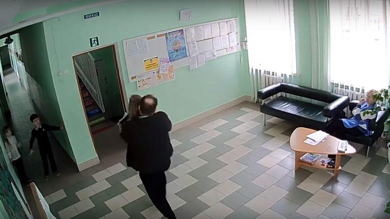 ukrajnai gyerekrablás (forrás: YouTube / Andrii Peliukhivskyi)