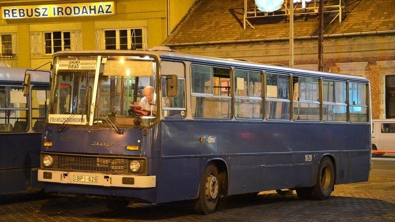 990-es éjszakai busz, BKK (forrás: Wikipédia / Aron_son)