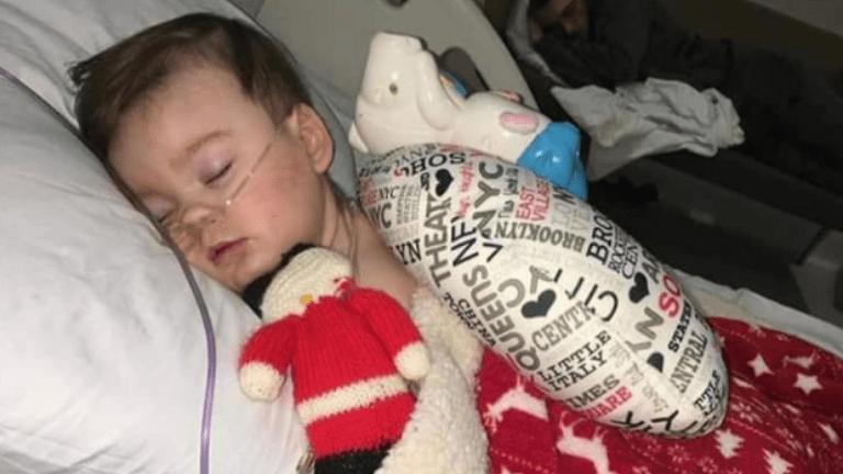 ritka betegség szülők harc lélegeztetés
