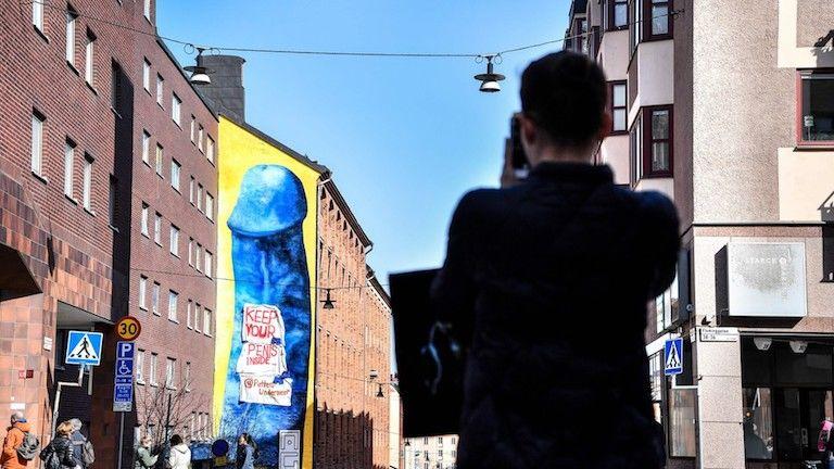 stockholm utca pénisz street art