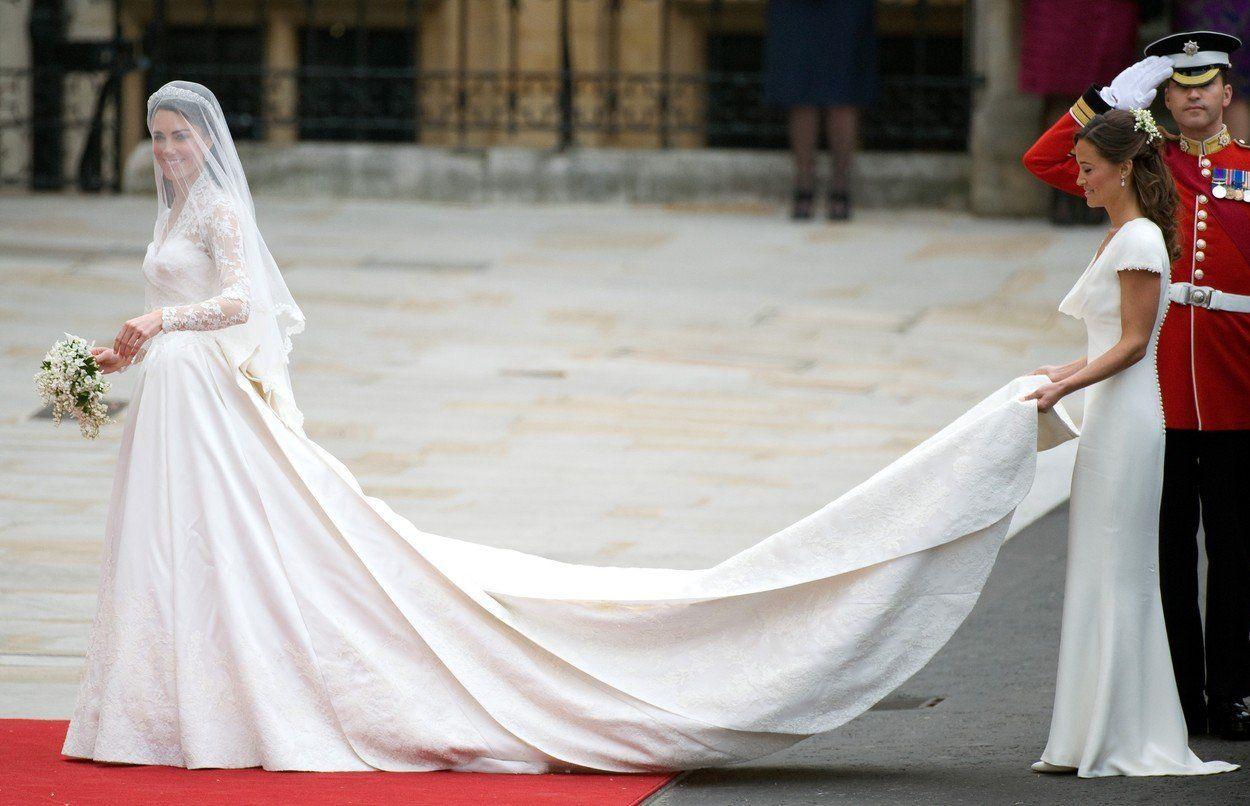 Katalin és Vilmos herceg esküvője 2011-ben ruha