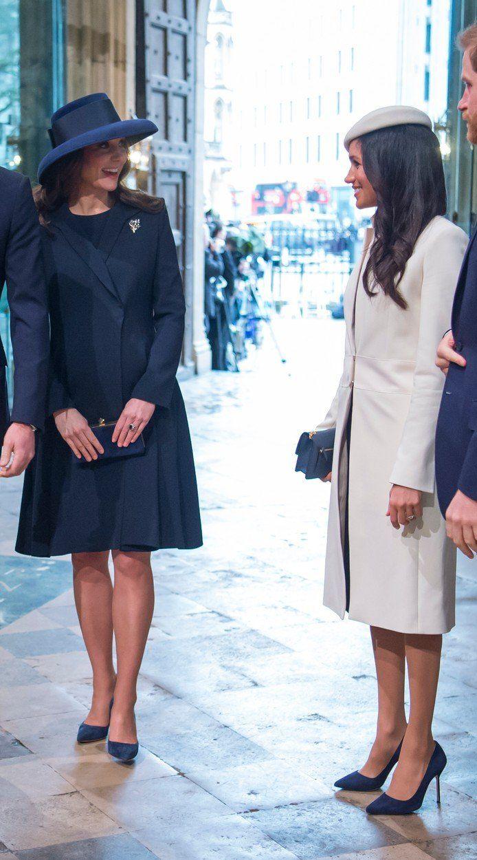 Meghan Markle és Katalin hercegnő egyforma cipőben templomban
