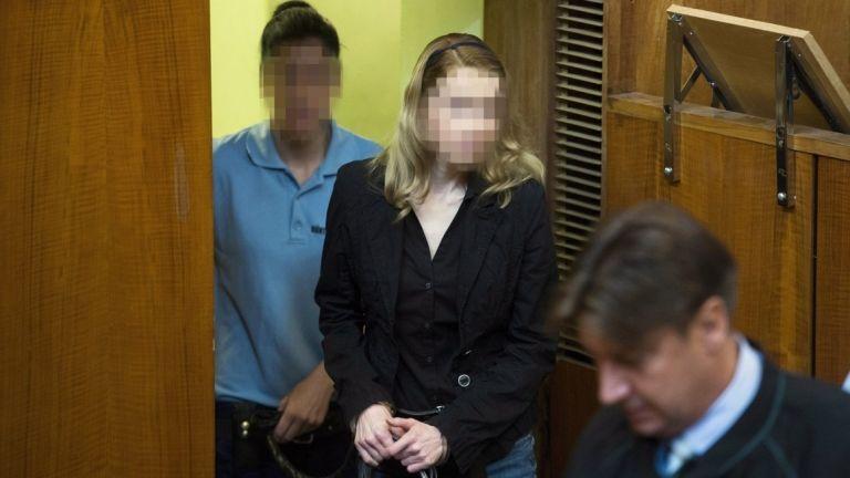 Eva Rezesová a másodfokú büntetõper tárgyalásán 2014-ben (MTI Fotó: Koszticsák Szilárd)