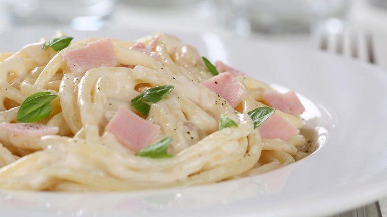 Jó hír a tésztaimádóknak, így lehet a spagettivel fogyni