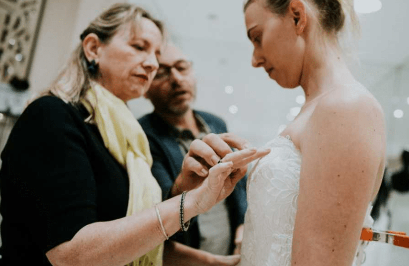 menyasszonyi ruha vak megható fotó