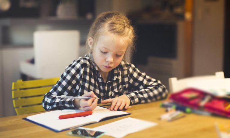 tanító iskola gyerek