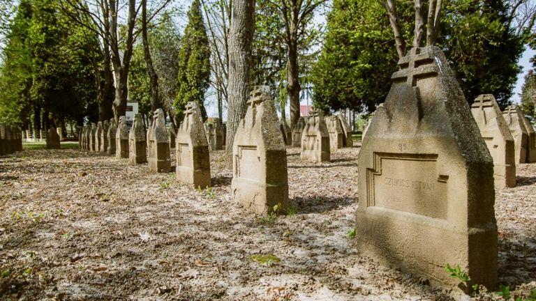 temető, sír (forrás: MTI / Hornyák Emőke)