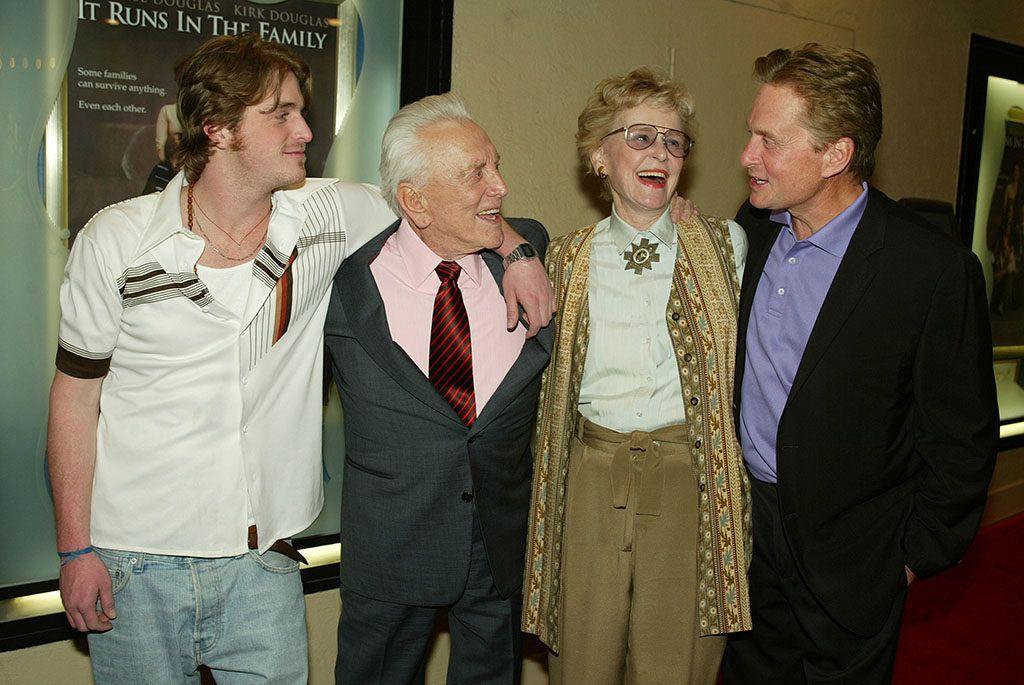 túl nagy család Cameron Douglas Kirk Douglas Diana Douglas Michael Douglas 2003