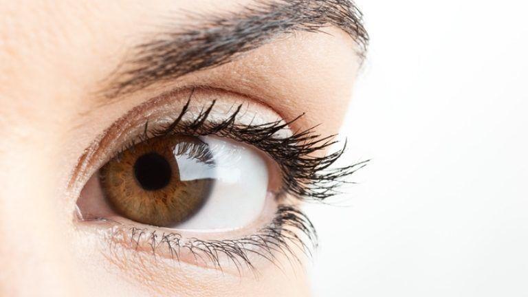 barna szemek