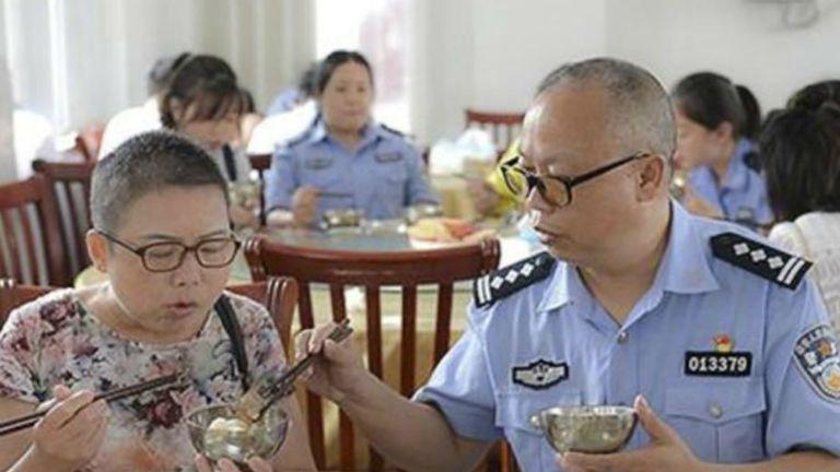 rendőr gondoskodás feleség