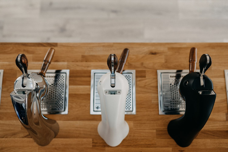 kávé, ferenczi attila, huszár ádám, kávé, kávégép. barista