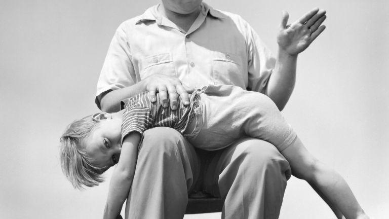 elfenekelés gyereknevelés tanulmány