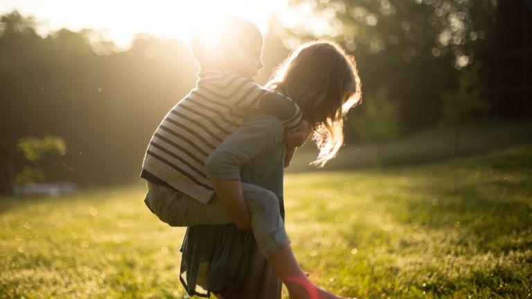 emlékezet anyaság gyereknevelés