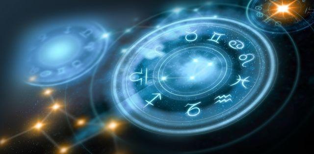 július horoszkóp csilagjegyek