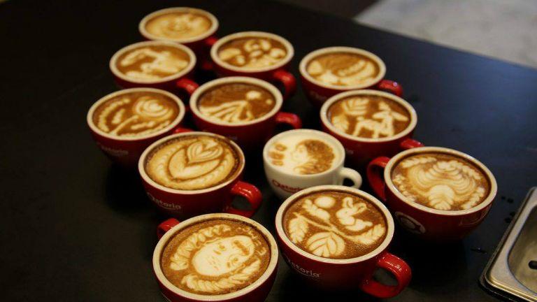 kávé, goosebumps, huszár ádám, kávégép, barista
