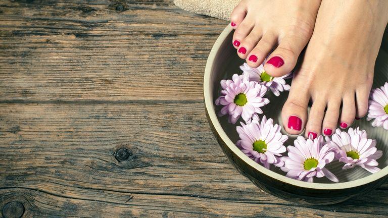 lábfürdő lábápolás