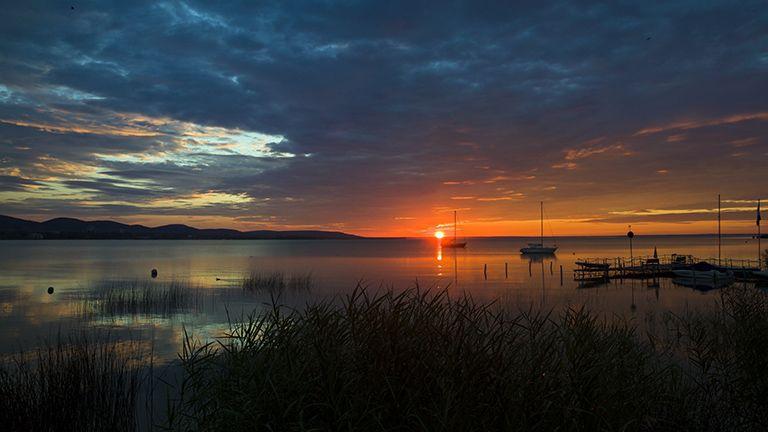 Ma hajnalban így kelt fel a nap Tihanynál | nlc