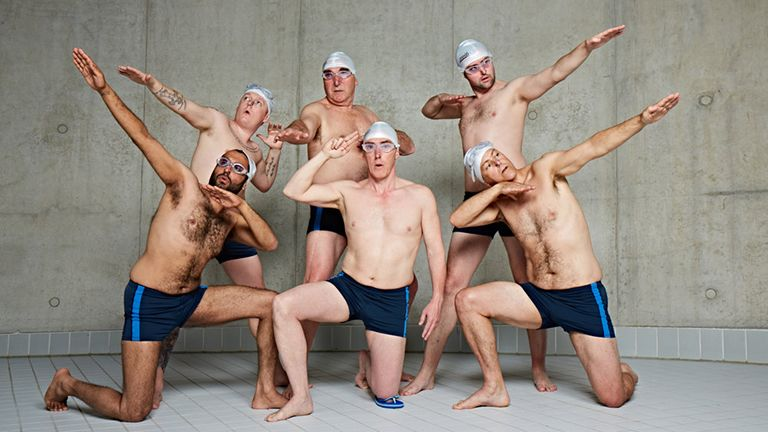 swimming-with-men kauzarasi panik szinkronuszas