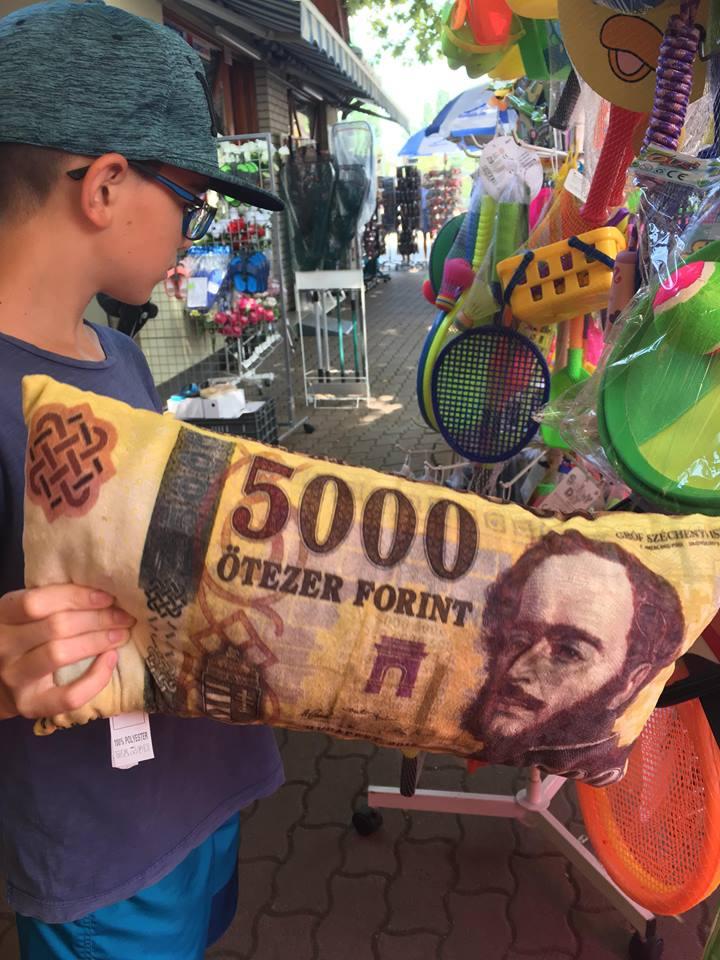 Balaton 5000 forintos párna
