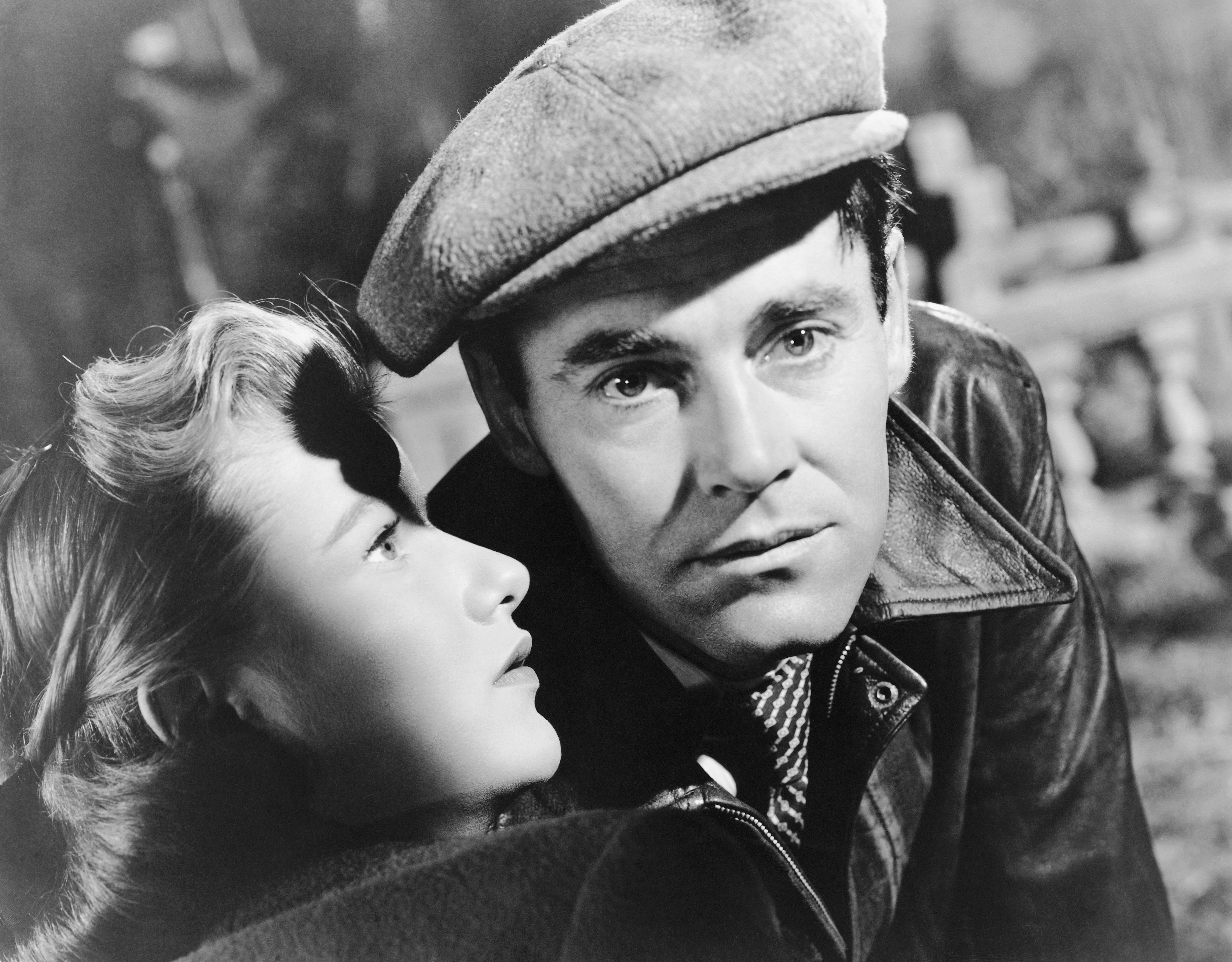 Henry Fonda és Barbara Bel Geddes are Joe Adams and Jo Ann, respectively, in the 1947 film, The Long Night. (Photo by  John Springer Collection/CORBIS/Corbis via Getty Images)