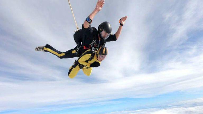 ejtőernyő mellrák gyógyulás öröm