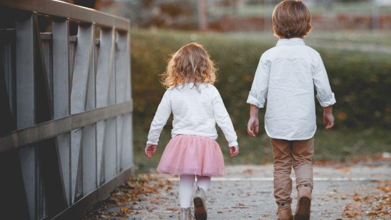 gyerekvállalás testvérek anyaság