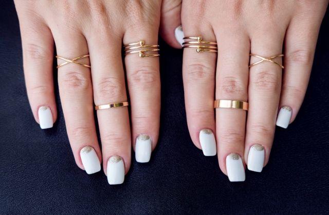 jegygyűrű ujjak jelentése