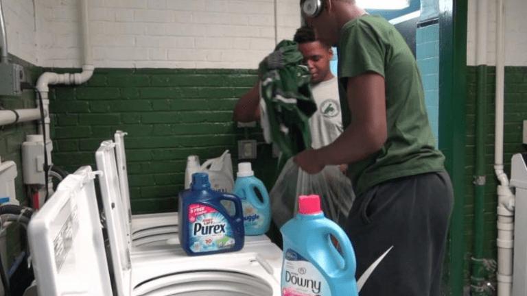 mosógép rászoruló diák jótékonyság igazgató