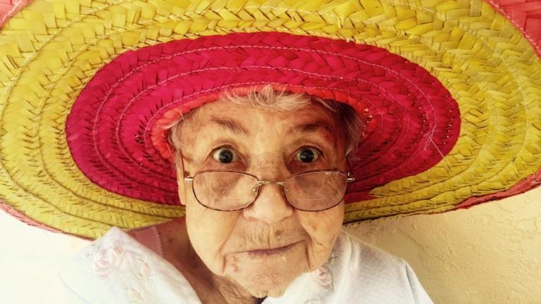 nagymama internet közösségi oldal