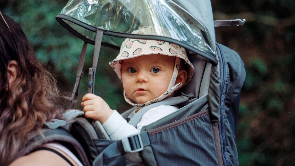 baba idegenek fogdosás