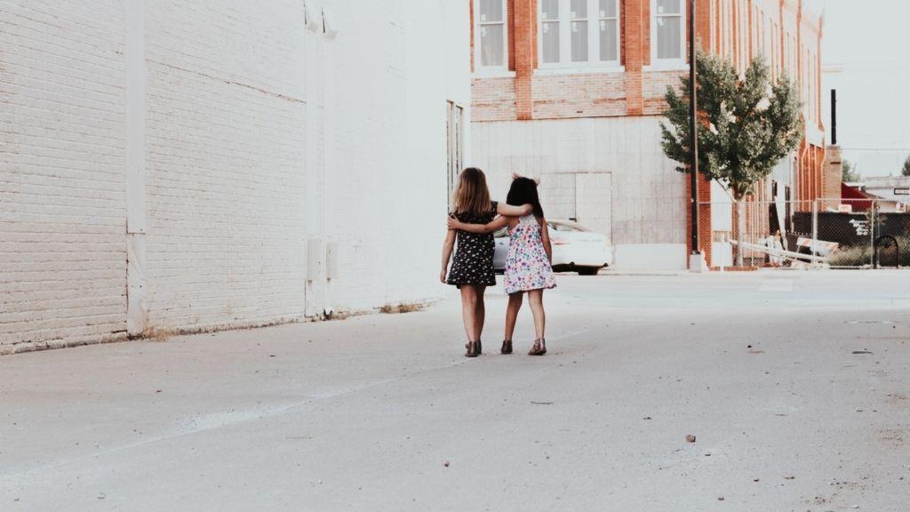 barátság negyvenes korosztály