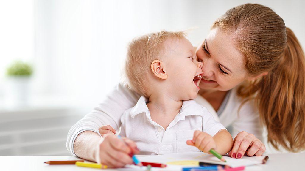 kisgyerek anyuka - Fotó: Thinkstock
