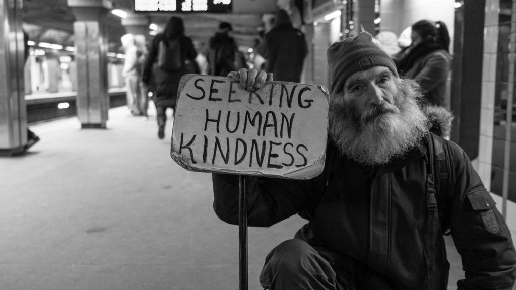 hajléktalan szociális munkás vélemény