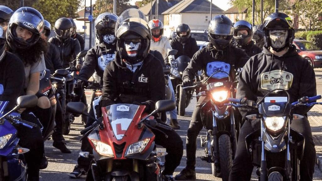 Inner City Riderz motoros banda Nagy-Britannia London autizmus bullying Alex Lacki