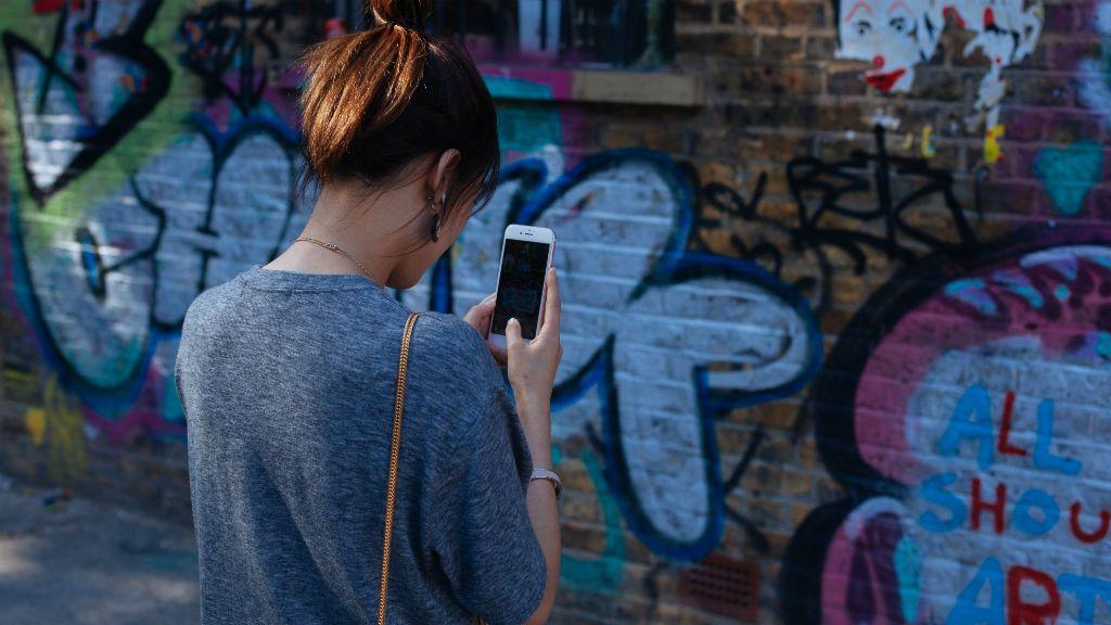 mobil privátszféra telefon anyaság kamasz