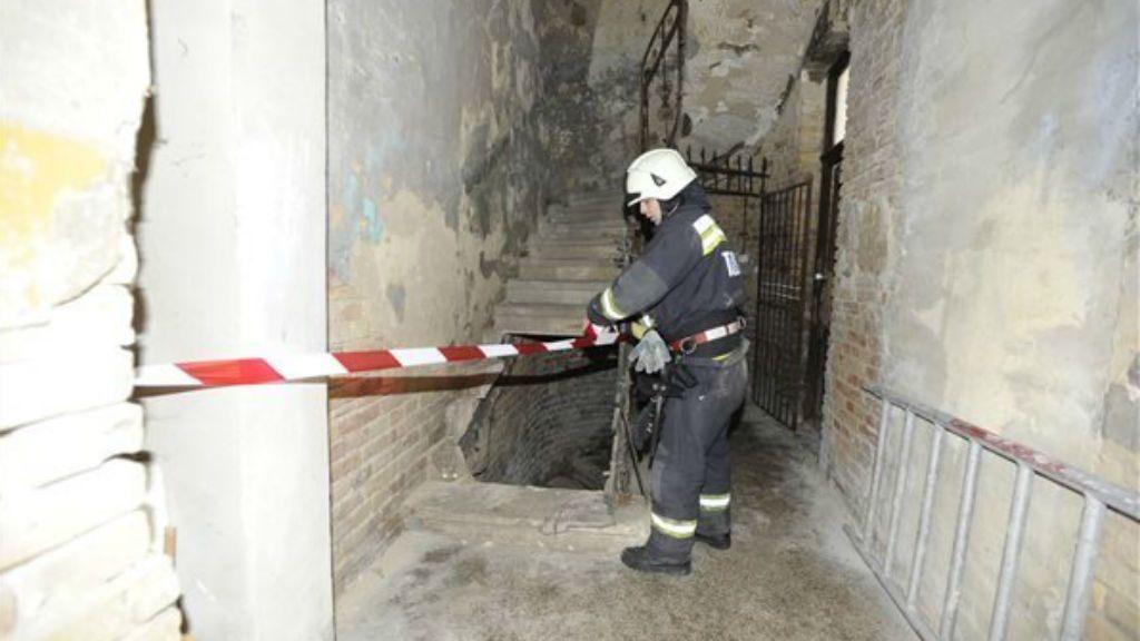 lépcsőház baleset budapest