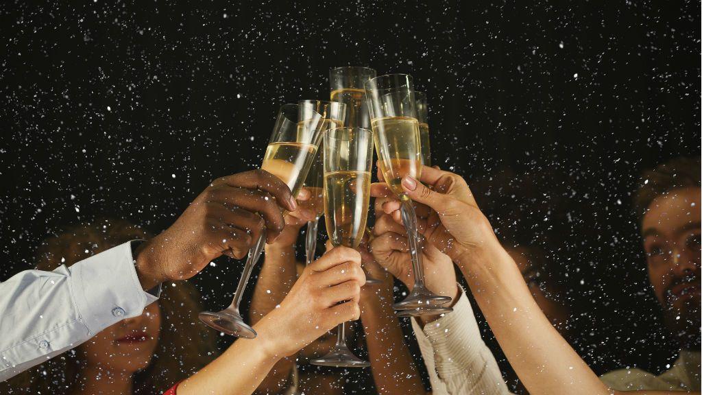 pezsgő, alkohol, szilveszter