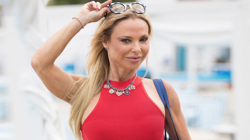 Már nem szingli Luxus Yvonne