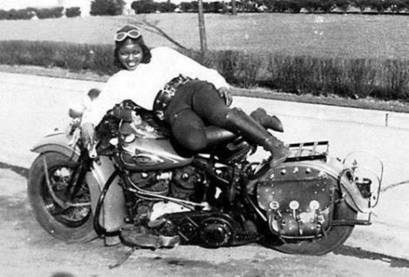 motorozás egyedülálló nők