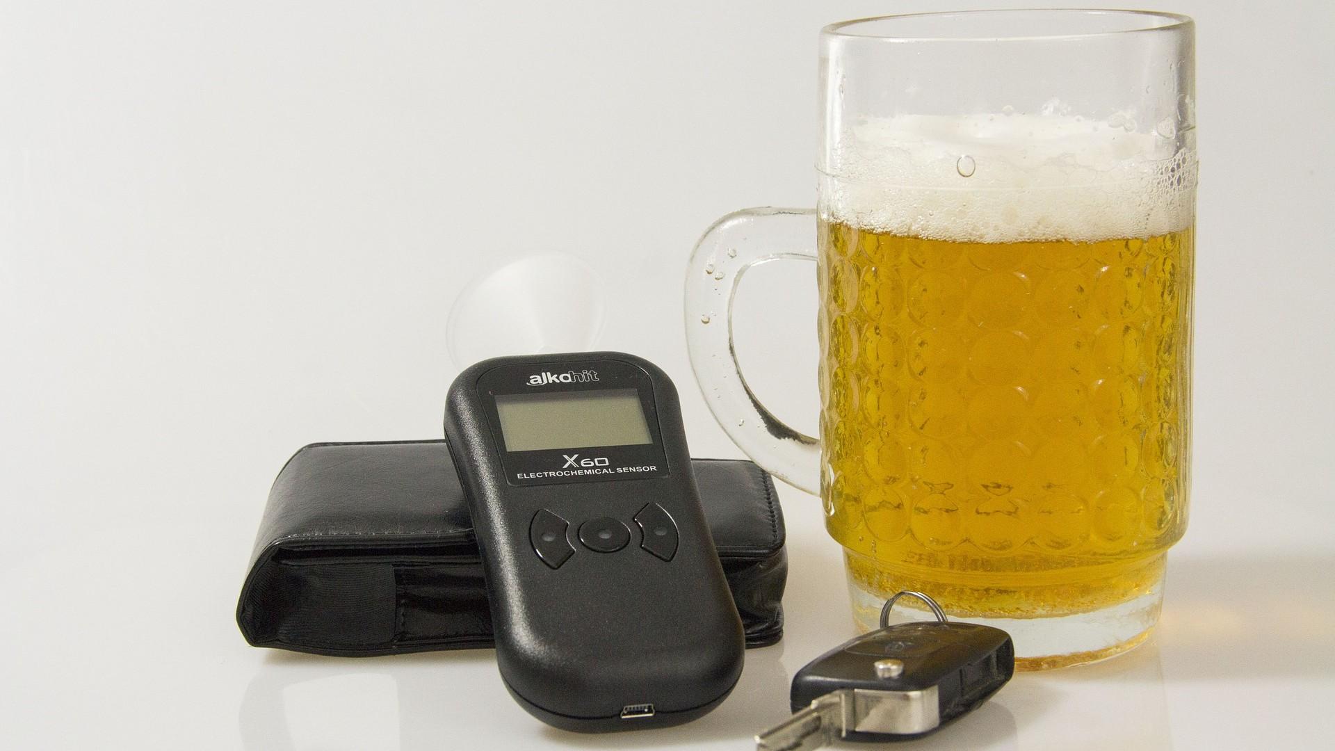 Kötelező lesz az alkoholszonda az autókban