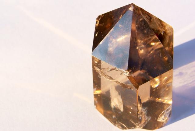 kristályok drágakövek csillagjegyek oroszlán horoszkóp