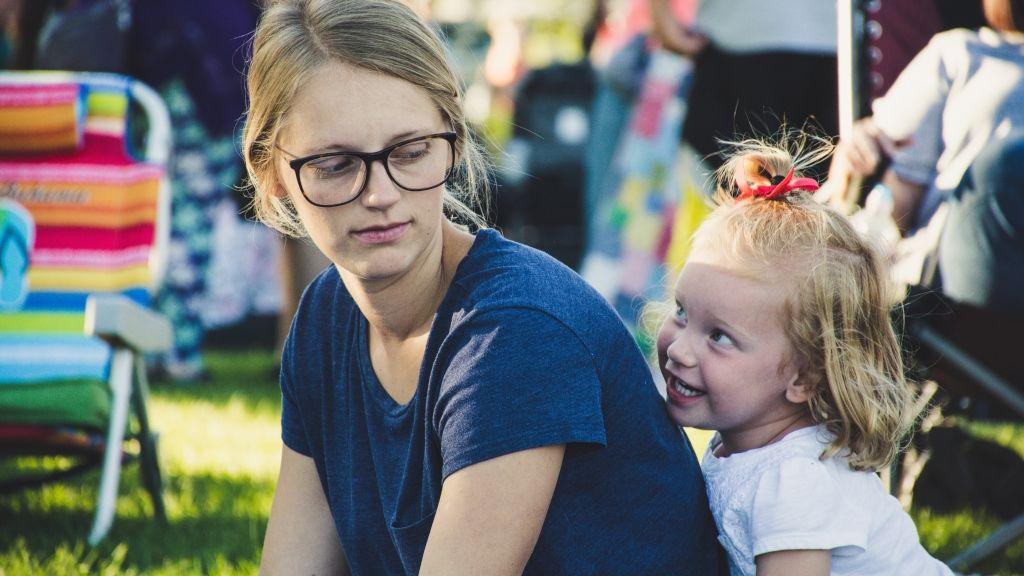 gyereknevelés anyaság félelem