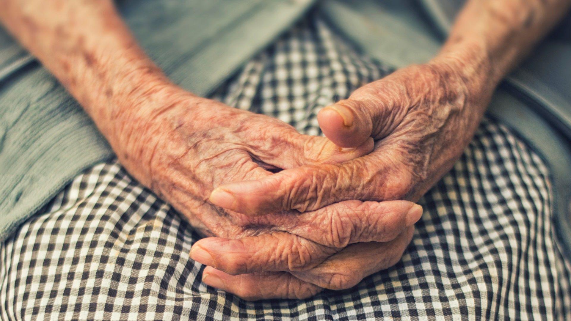 idős asszony keresés ismerd egyedülálló apák