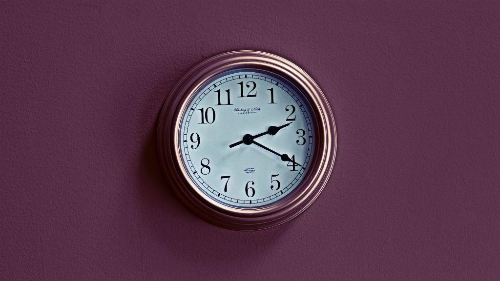 óra analóg digitális