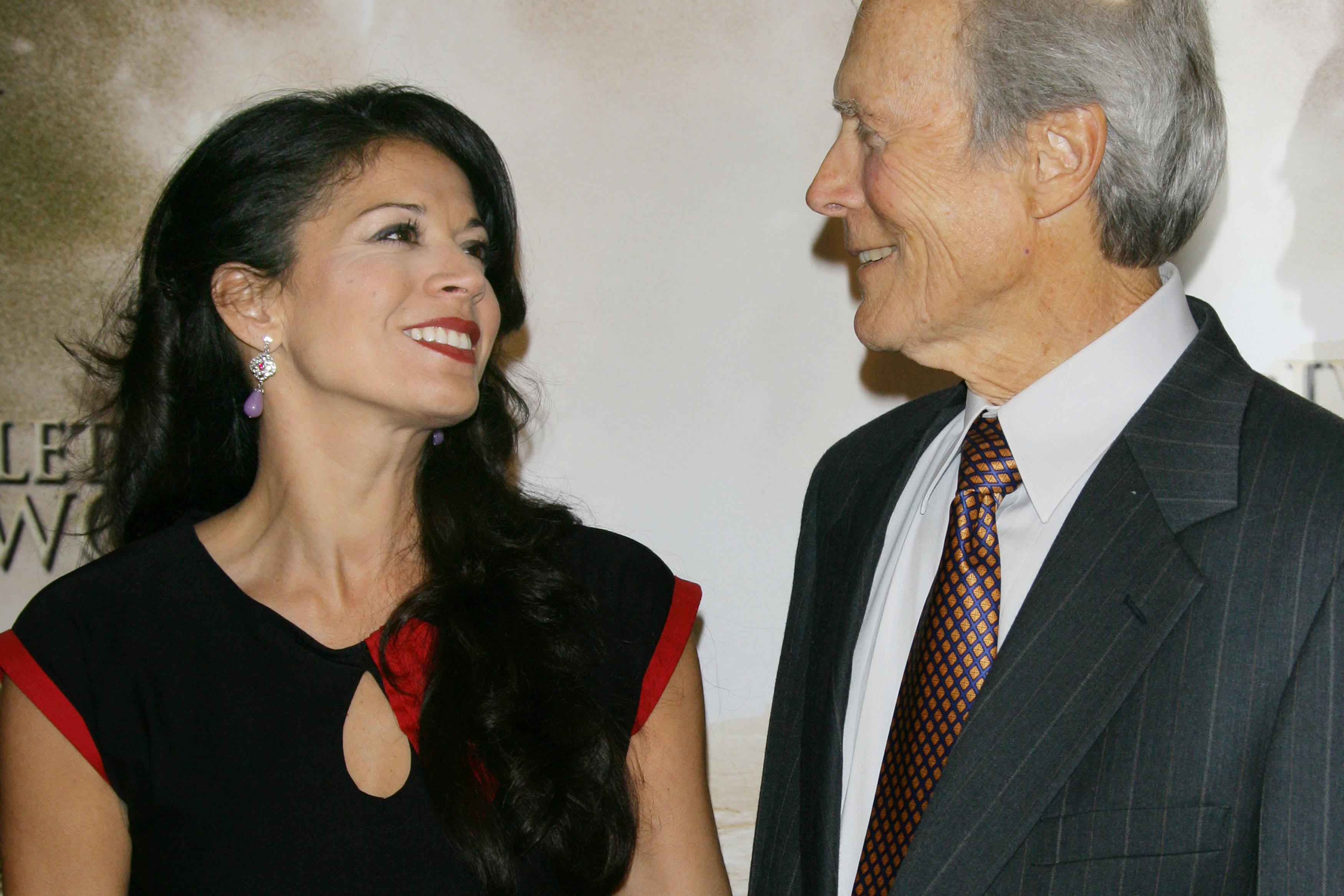 Clint Eastwood és Dina Ruiz - Fotó: Getty Images