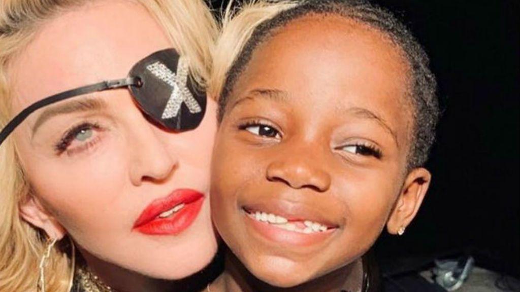 Madonna és kislánya, Estere