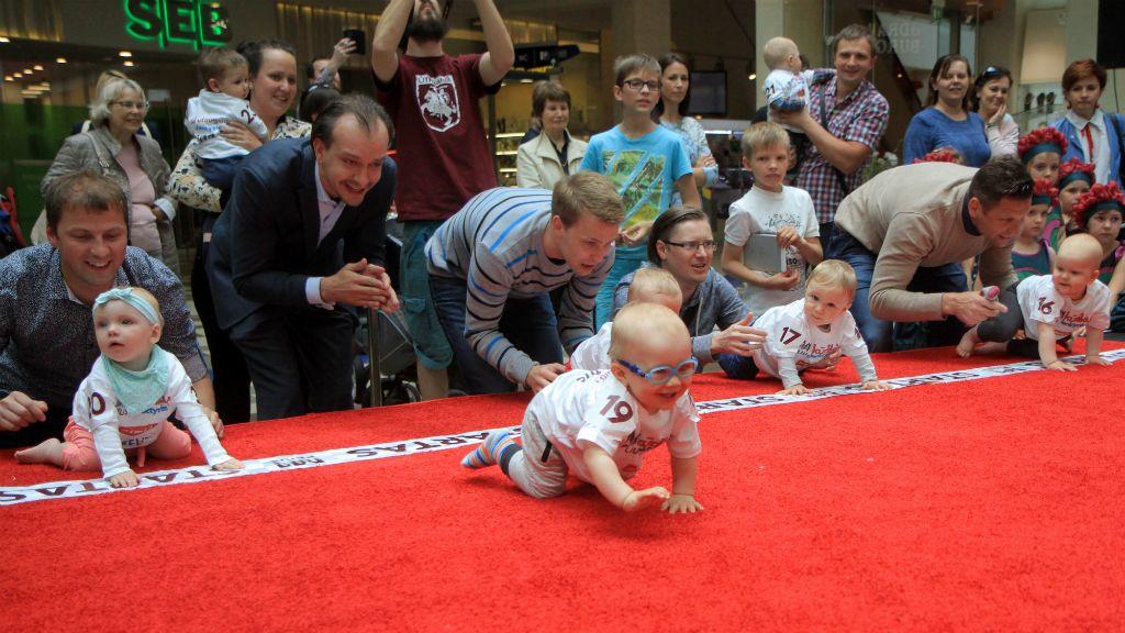 25 baba vett részt a mászóversenyen