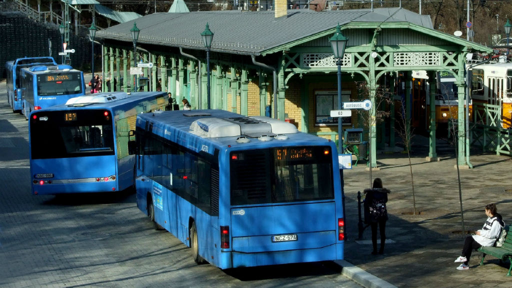 bkk busz hűsvösvölgy vágállomás