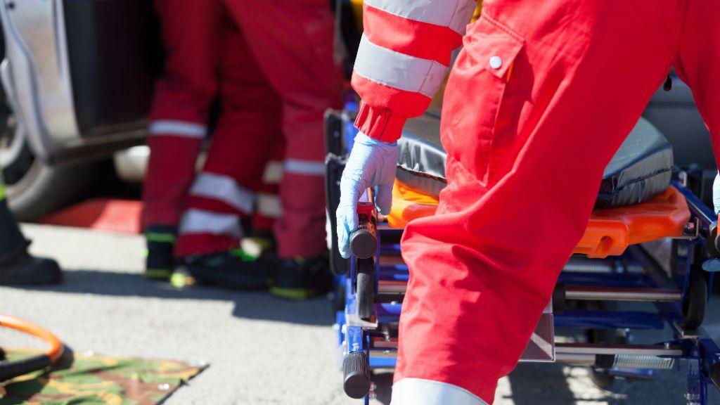 mentő mentők baleset betegszállítás